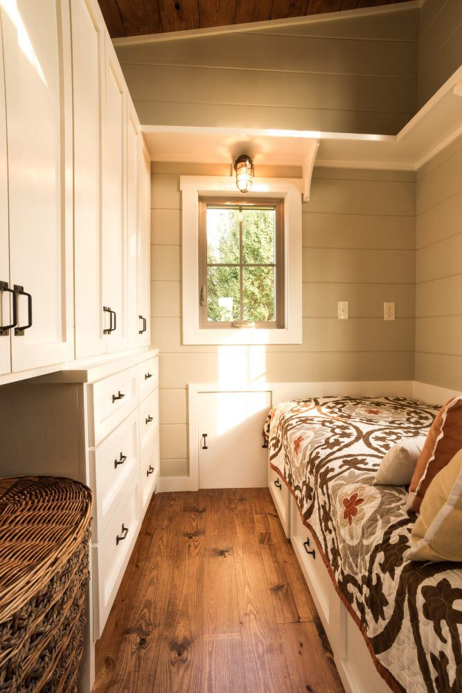 Tiny house bedroom by Timbercraft Tiny Homes